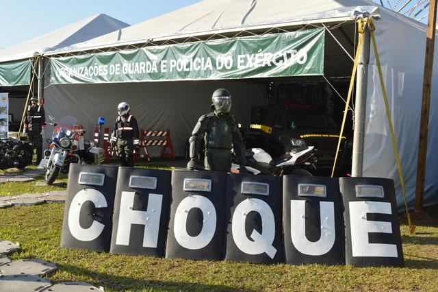 Exército Brasileiro expõe material militar durante Expointer 2017
