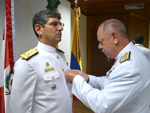 Operação BRACOLPER Naval 2017 encerra com Imposição de Medalhas