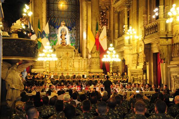 Concerto da Banda de Alunos Músicos da EsSLog na Candelária