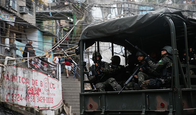 Operação Rio quer Segurança e Paz: 950 militares das Forças Armadas atuam na Rocinha