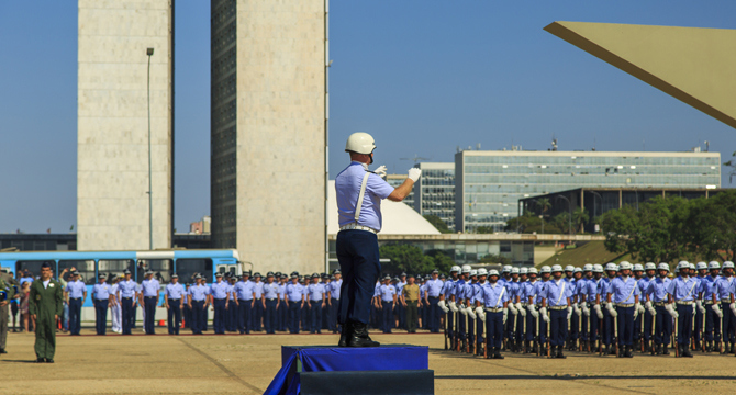 Aeronáutica será responsável por solenidade de substituição da Bandeira Nacional