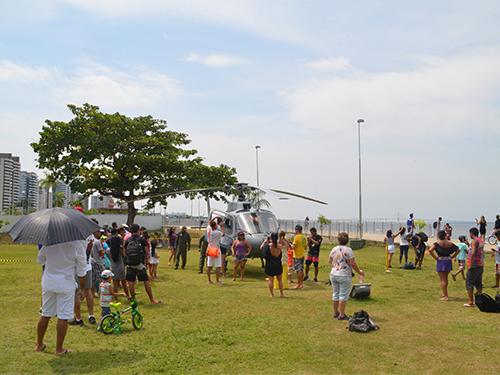 Comando do 9ºDN promove exposição estática de aeronave em Manaus (AM)