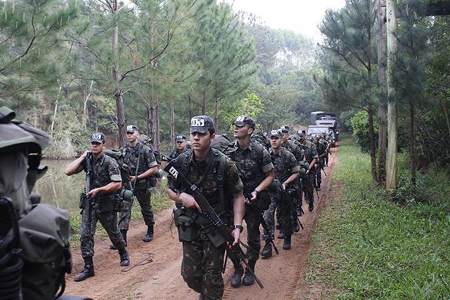 16º Grupo de Artilharia de Campanha Autopropulsado realiza Exercício de Desenvolvimento da Liderança (EDL)