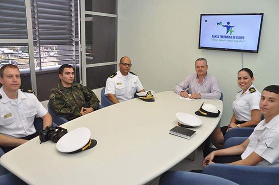 Marinha do Brasil visita a Prefeitura Municipal de Santa Terezinha de Itaipu (PR)