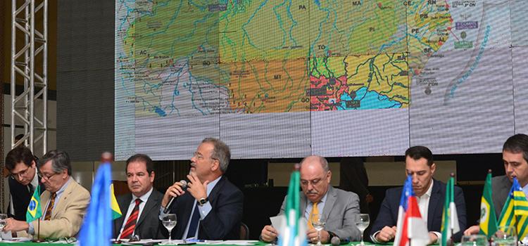 Ministros e governadores debatem soluções para a segurança pública e o controle das fronteiras