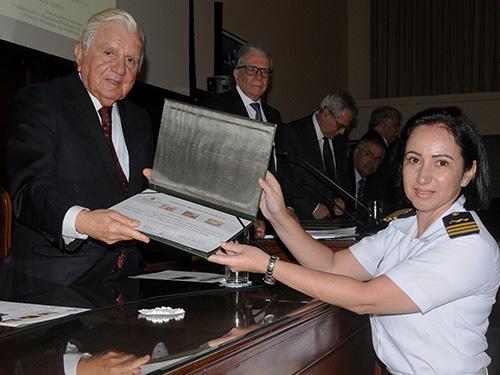 Hospital Naval Marcílio Dias recebe homenagem da Academia Nacional de Medicina