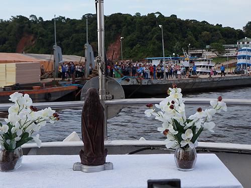 Marinha participa das festividades de Nossa Senhora Aparecida em Manaus