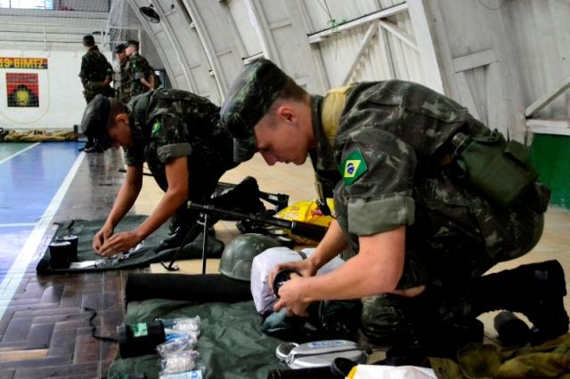 Tem início, no Sul do Brasil, a Operação Cadeado, para adestramento em combate convencional, nível Brigada