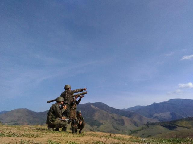"""4 Unidades de tiro de míssil Igla S e radar SABER M60 fazem defesa antiaérea do Exercício """"Além da Vanguarda"""""""
