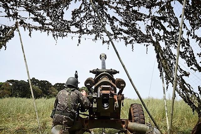 """Subsistemas de Artilharia se integram em contexto tático para aprimoramento da função de combate """"fogos"""""""