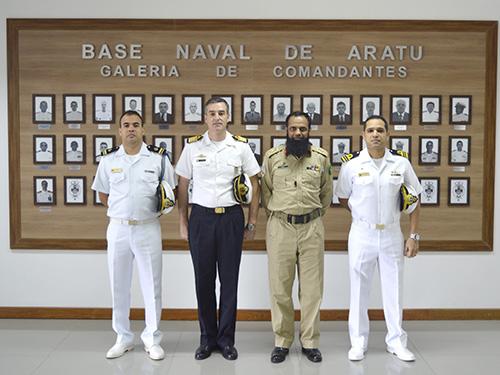 Base Naval de Aratu recebe visita de Estagiários de Nações Amigas