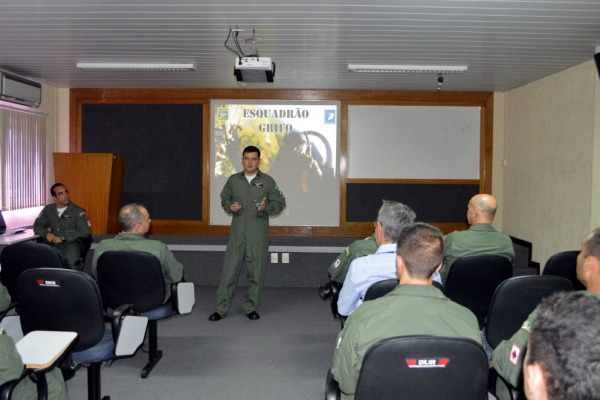 Ala 10 recebe Esquadrões do 3º Grupo de Aviação para validação curricular