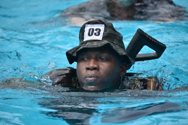 Militares de 8 países trocam experiências e conhecimento em Curso Internacional de Operações na Selva
