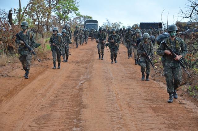 2 mil militares participam de exercício de combate, em contexto de defesa da Pátria, no Planalto Central