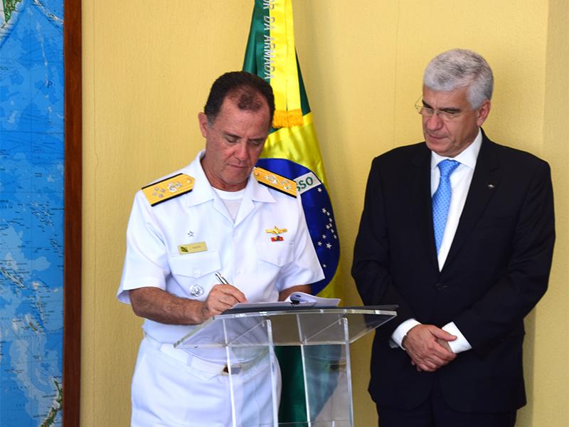 Marinha do Brasil e Receita Federal assinam acordo de cooperação