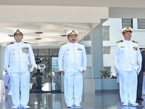 Escola Naval realiza a cerimônia de passagem do Comando do Corpo de Aspirantes