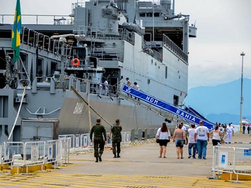 Comemore com a Esquadra reúne cerca de 8 mil pessoas no Complexo Naval de Mocanguê