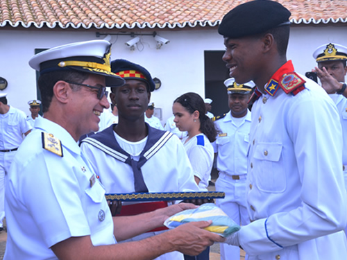 Dia da Bandeira é comemorado no Farol da Barra em Salvador (BA)