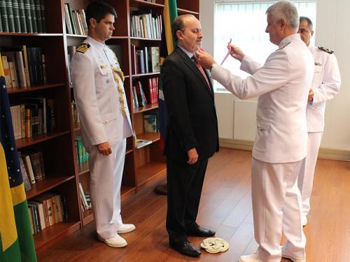 Embaixador do Brasil na África do Sul recebe a Medalha da Ordem do Mérito Naval