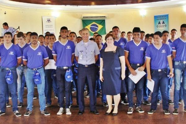 FAB realiza iniciação profissional de adolescentes em Recife