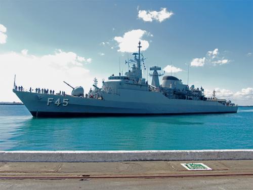 """Comando do 2º Distrito Naval recebe Fragata """"União"""" após missão no Líbano"""