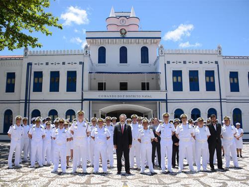 Comando do 2º Distrito Naval recebe visita do Ministro da Defesa