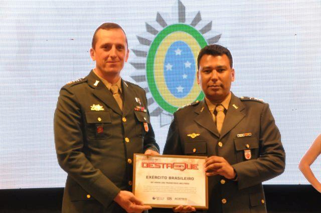Exército Brasileiro recebe prêmio de Destaque Especial