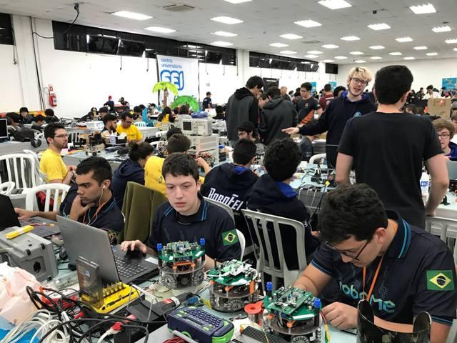 Equipe de robôs autônomos RoboIME sagrou-se campeã latino-americana de futebol de robôs (liga Small Size)
