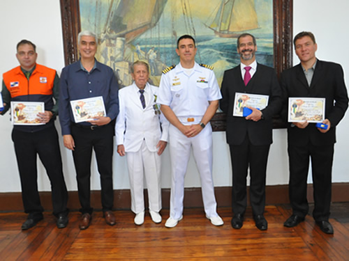 Colégio Naval realiza cerimônia alusiva ao Dia Nacional do Amigo da Marinha