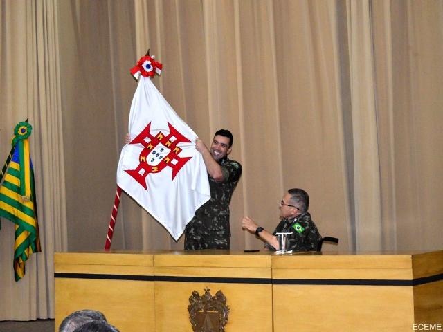 """Comandante do Exército profere palestra sobre """"A Conjuntura Atual e o Exército Brasileiro"""", na ECEME"""