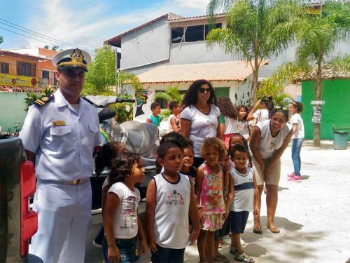 "Delegacia de Porto Seguro realiza projeto ""Conhecendo a Marinha"""
