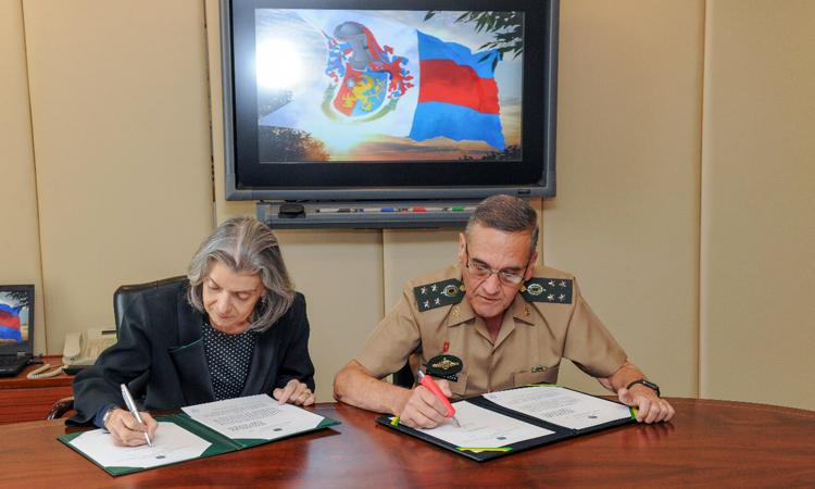 Exército e Conselho Nacional de Justiça assinam acordo para destruição de armas apreendidas em todo o País