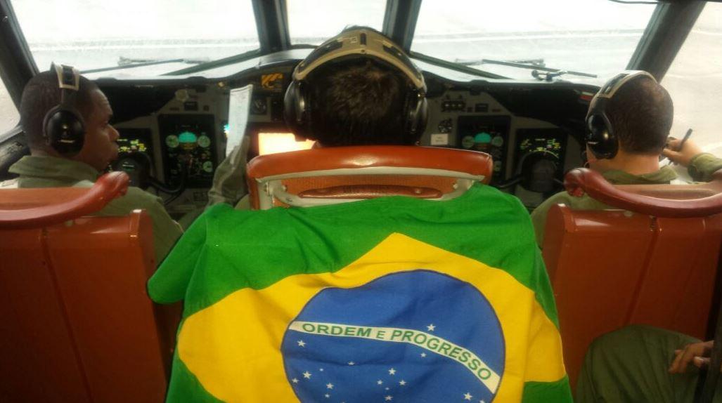 Aeronave P-3AM inicia engajamento nas buscas por submarino argentino