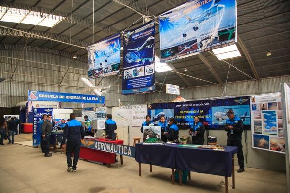 Feira na Bolívia atrai mais de 40 mil pessoas