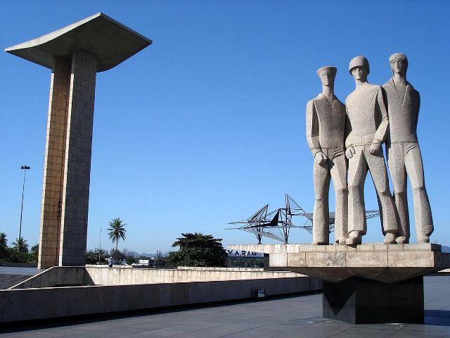 Homenagem aos heróis anônimos da Pátria, militares que não mediram esforços para defender seu País