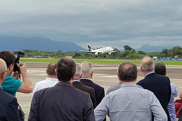 DECEA acompanha voo inaugural de operação RNP AR em Joinville