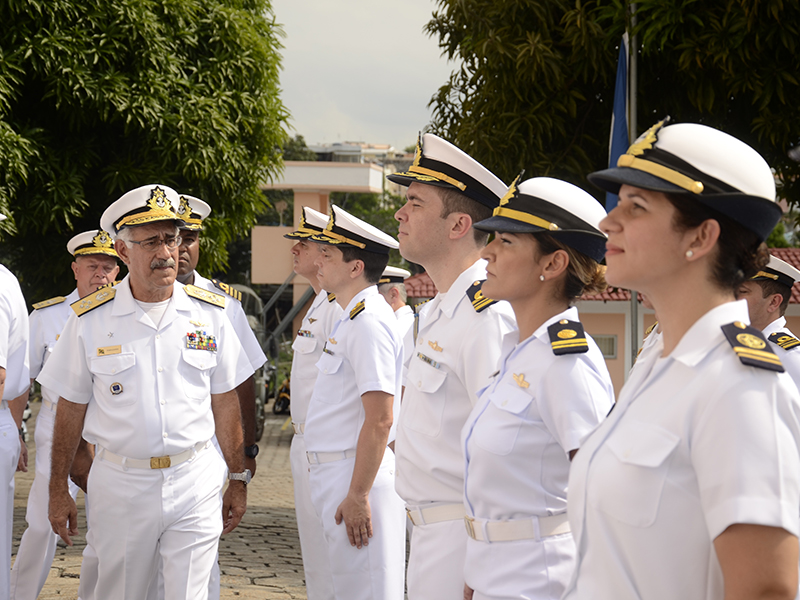 Comandante de Operações Navais realiza Inspeção Administrativo-Militar no Com9ºDN