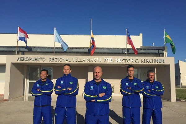 Equipe de paraquedismo da FAB vence campeonato latino-americano