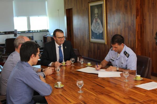 Ala 4 celebra assinatura de Protocolo com a Universidade Federal de Santa Maria