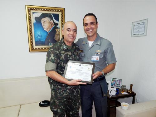CeIMNa entrega o título de Intendêncio Honorário ao Chefe do Estado-Maior da 7ª Bda Inf Mtz