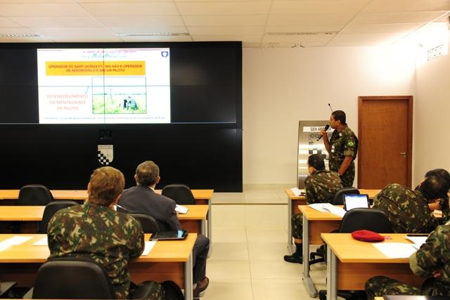 Seminário do Exército discute emprego e legislação de Sistemas de Aeronaves Remotamente Pilotadas