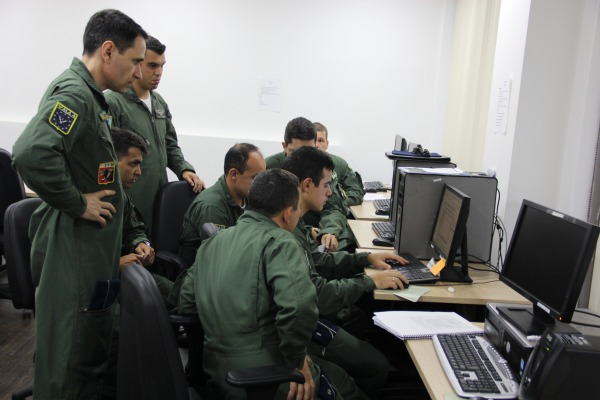 Escolas de altos estudos militares realizam exercício simulado com oficiais-alunos