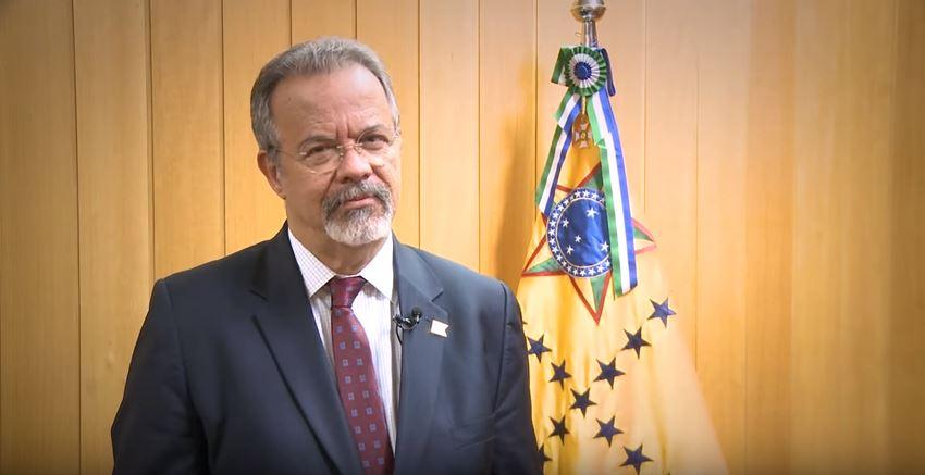 Mensagem de fim de ano do ministro da Defesa, Raul Jungmann