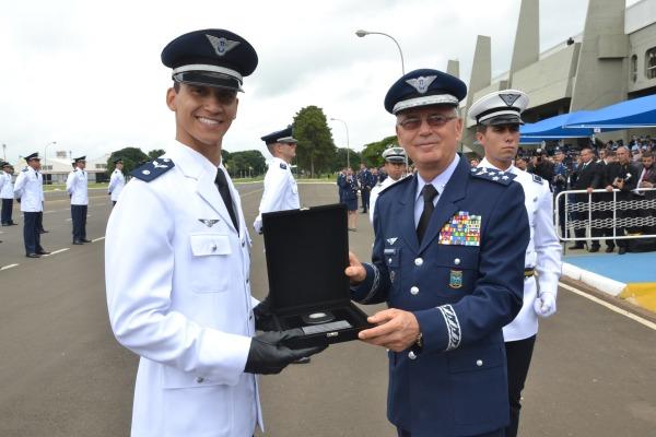 Academia da Força Aérea forma 143 novos aspirantes a oficial