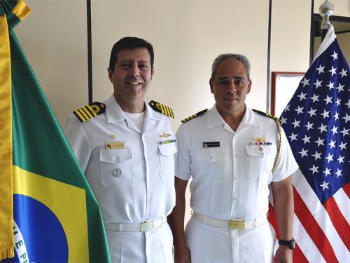 Adido Naval dos Estados Unidos da América visita Centro de Guerra Eletrônica da Marinha