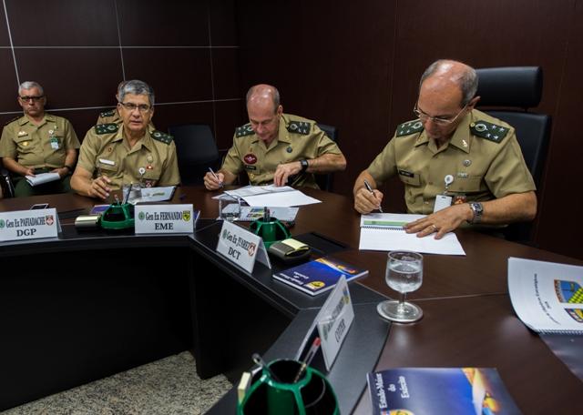 Estado-Maior do Exército promoveu assinatura de Contrato de Objetivos Estratégicos para 2018