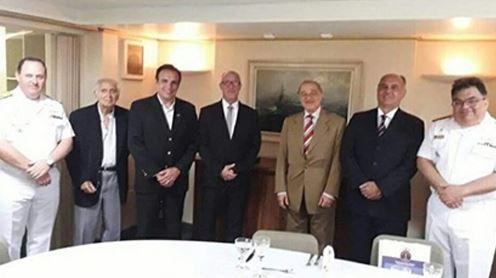 Da esquerda para a direita: CA Rabello, Renato Menescal, Deputado Hugo Leal, Gilberto Cytrin, Ruy Schneider, Antonio Carlos Mendonça Nunes e CA Rocha
