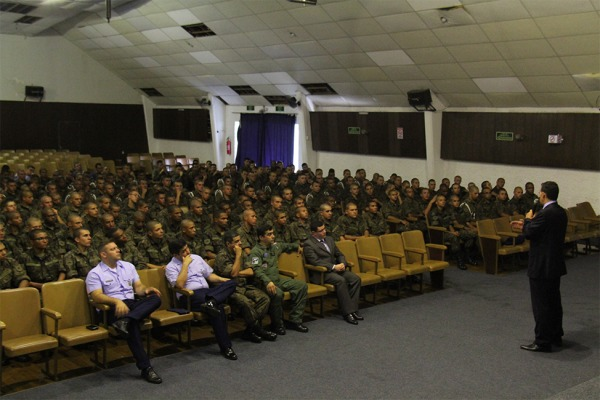 Ala 13 recebe palestra de prevenção e combate ao uso de drogas