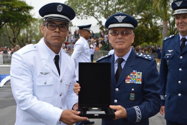 Escola de Especialistas de Aeronáutica forma 466 novos sargentos
