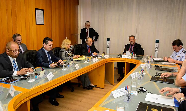 Jungmann recebe grupo de empresários norte-americanos do setor aeroespacial